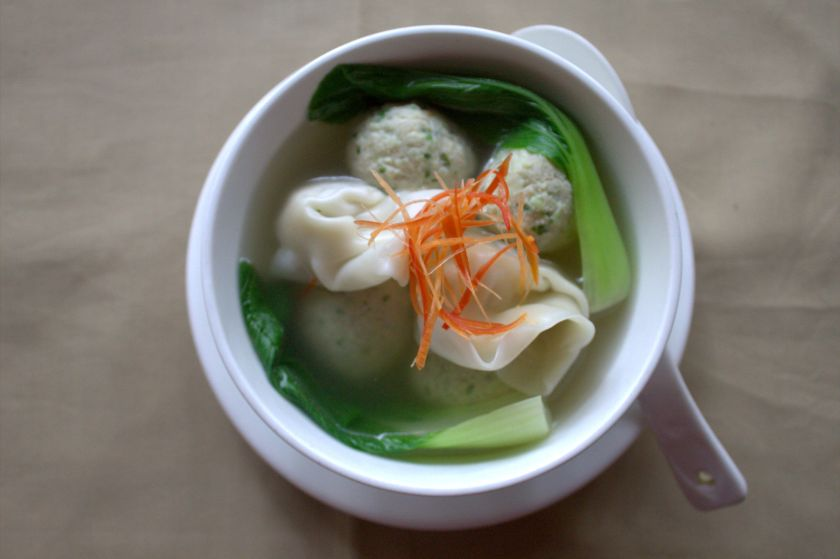 chicken meatballs with prawn wonton soup